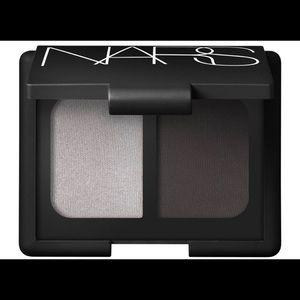 NARS eyeshadow duo in Paris